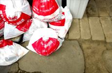 ゴミ袋「1枚120円」!地域で異なるゴミ処理戦略