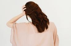 頭皮が臭う…その原因と対策は?