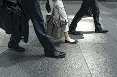 日本の平均年収は昔に比べて上がっているのか?