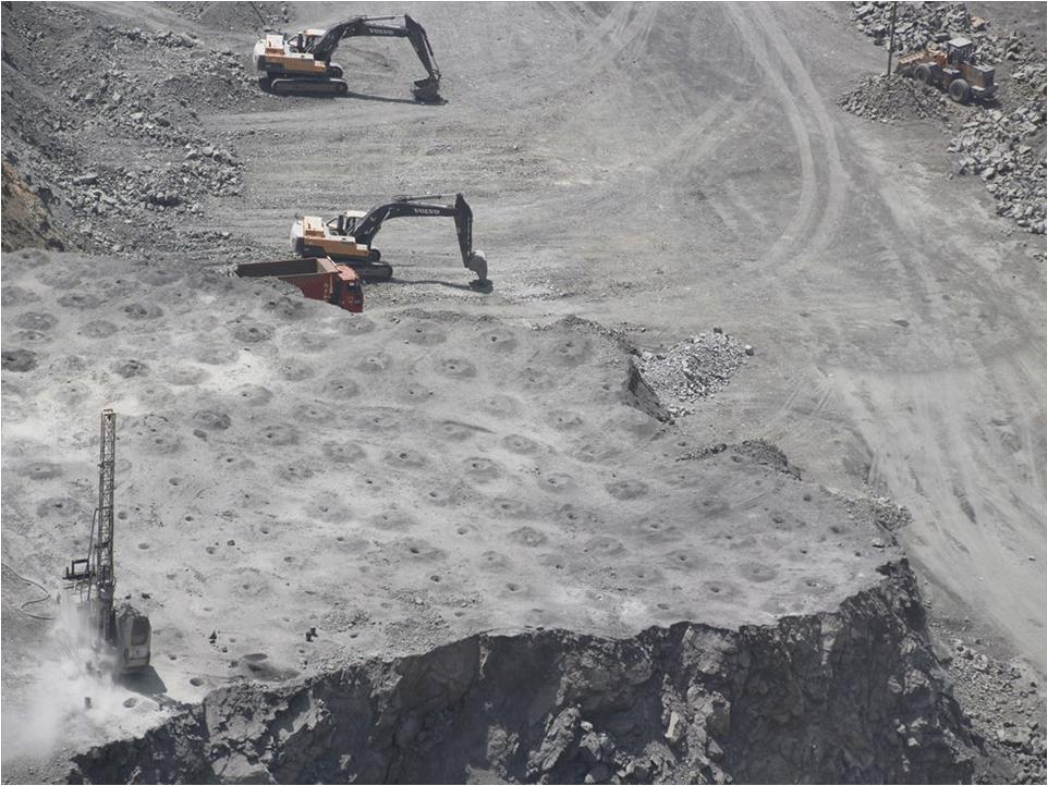 世界最大のレアアース鉱山・白雲鄂博鉱山を視察