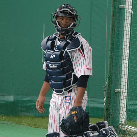 【プロ野球引退物語2017】相川亮二は本当に優勝に縁がなかったのか? 23年の数奇な捕手人生…